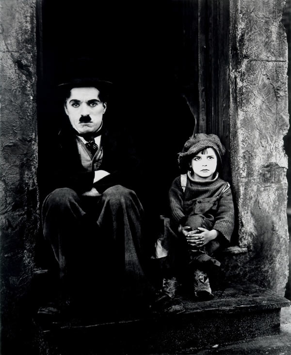 <strong><strong>The Kid - Charles Chaplin</strong></strong>